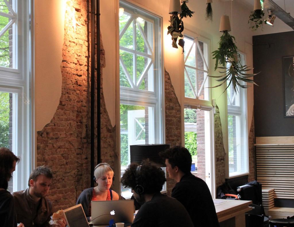 cafe - foyer